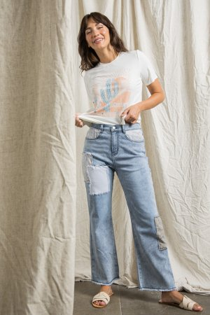 WIDE LEG DENIM PANTS WITH PATCHED POCKETS